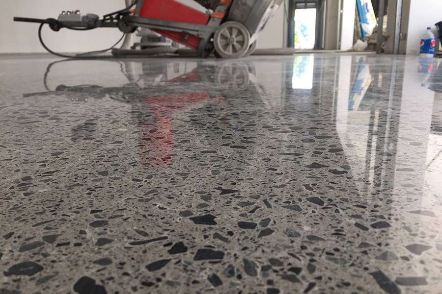 0057_Lithium_Densifier_polished_Concrete_Fortis_900x600.jpg